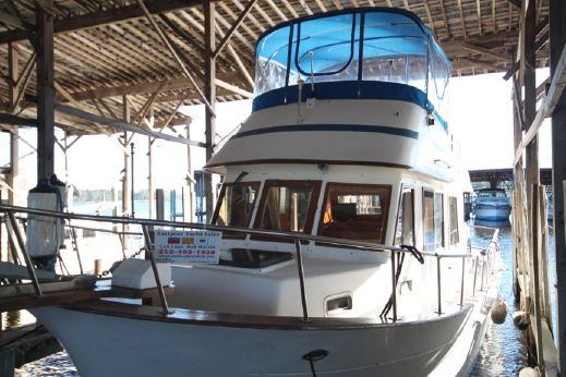 1988 Marine Trader 34 Double Cabin