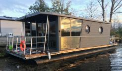 2020 Waterlodge THREE Floating Studio Apartment