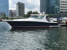 2005 Tiara 38 Open Blue Hull