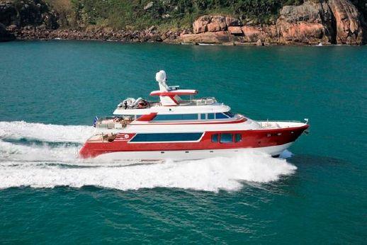2010 Mcp Yachts Europa Explorer 100