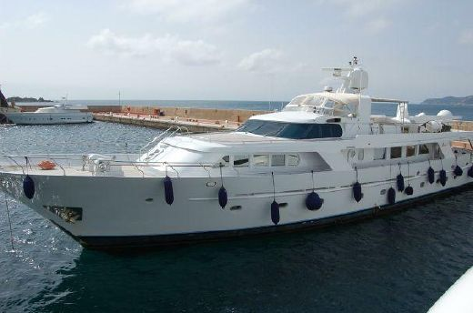 1982 Benetti 35m Displacement