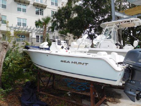 2015 Sea Hunt 188 Triton