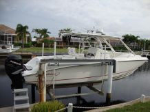 2006 Boston Whaler Outrage 32