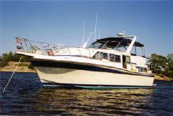 1984 Chris-Craft 381 Catalina