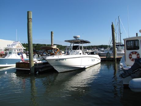 2006 Boston Whaler Outrage 270