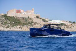 2017 Evo Yachts 43 Blue
