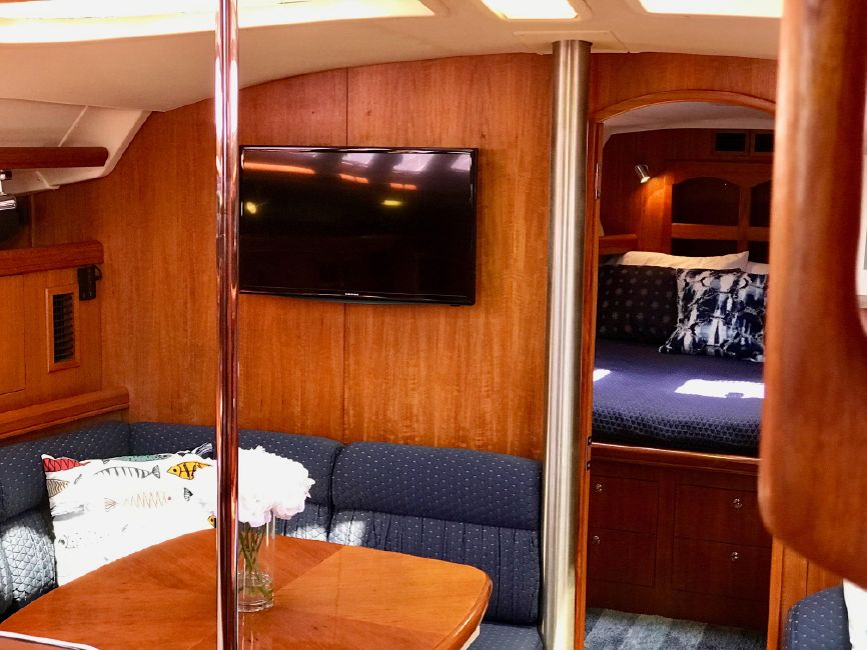 Hunter 46LE Sailboat Salon
