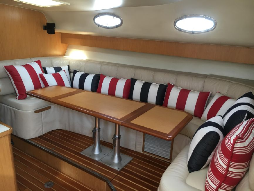 Tiara 4000 express yacht for sale in Huntington