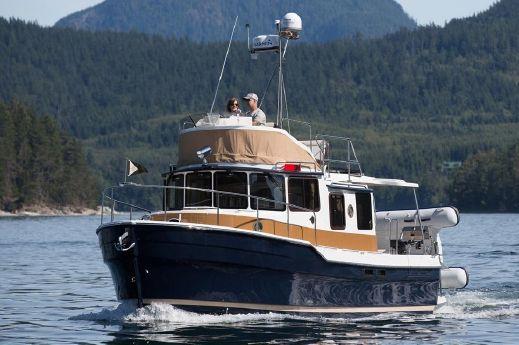 2017 Ranger Tugs R-31 CB