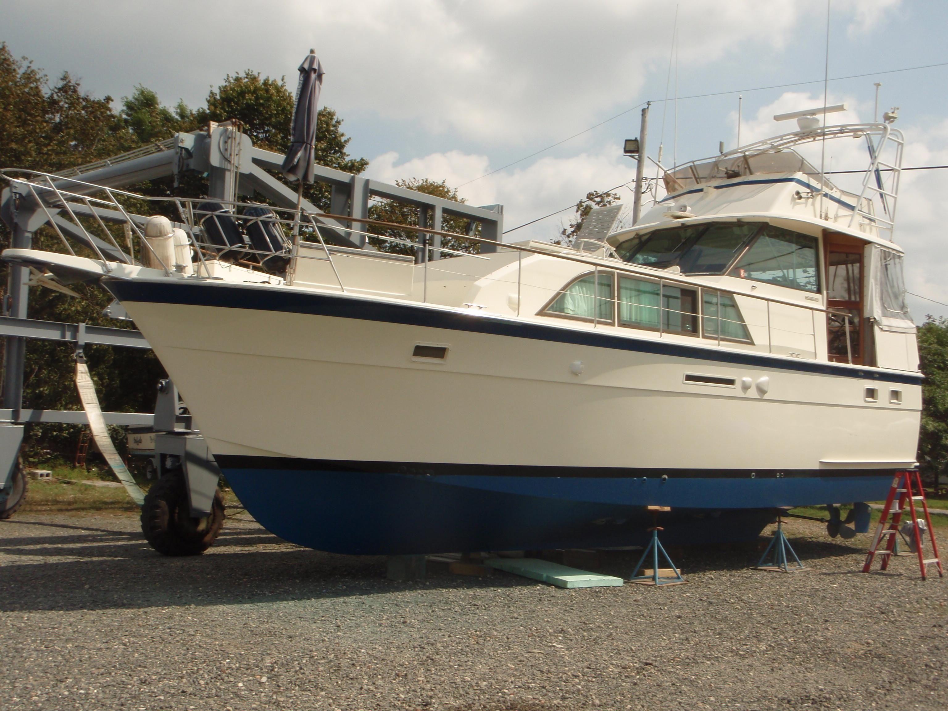 1982 hatteras 43 double cabin power boat for sale www for Viking 43 double cabin motor yacht