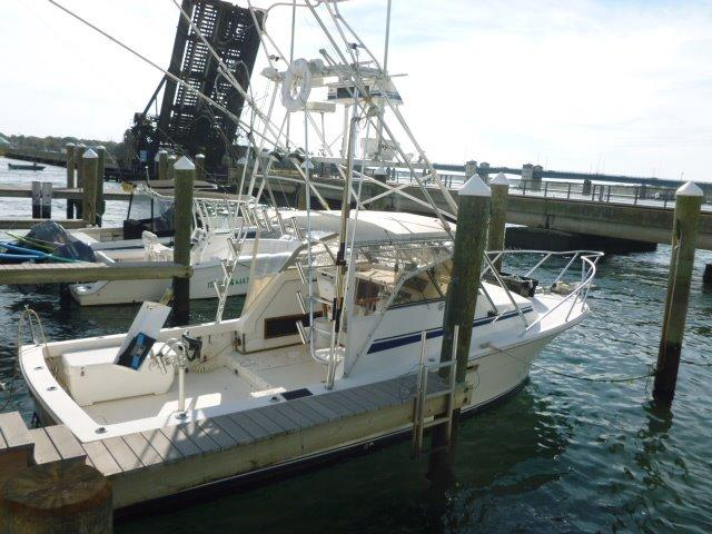 Boat for sale - Topaz Express Low Hours on Diesel Volvo! - 29'