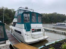 1995 Carver 325 Aft Cabin Motor Yacht