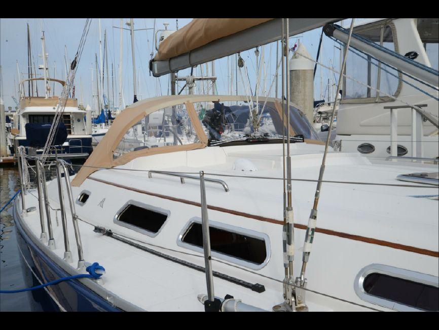 2006 Hanse 400 Sailboat Exterior