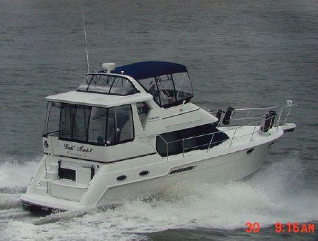 2002 Carver 356 Aft Cabin