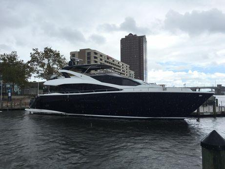 2017 Sunseeker 86 Yacht