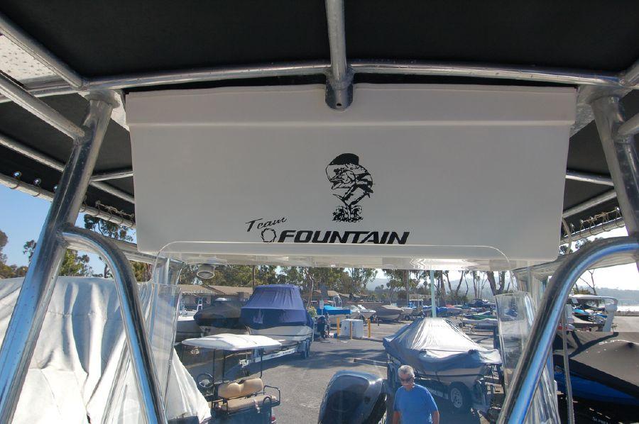 photo of Fountain 23 Center Console