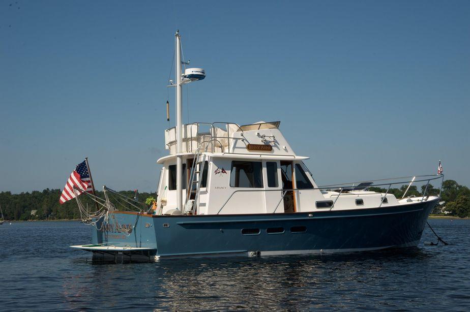 2000Legacy Yachts 40 Sedan Flybridge