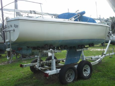 1982 Catalina 22 day sailer/weekender