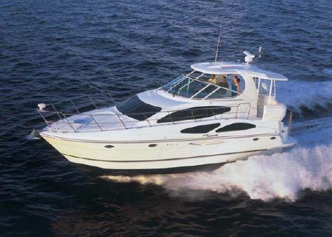 2005 Cruisers Yachts 415 Express Motoryacht