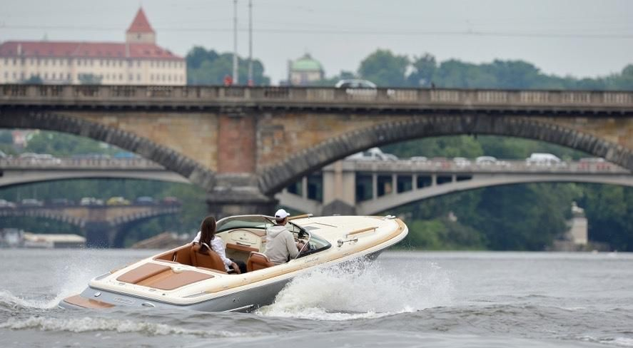 2011 chris-craft corsair 22