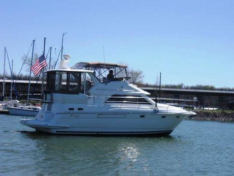 2000 Cruisers Inc. 375 Motor Yacht