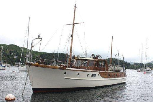1949 James Silver TSDY motor yacht