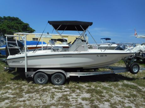 2012 Boston Whaler 200 Dauntless