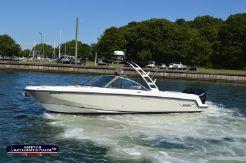 2013 Boston Whaler 270 Vantage