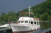 photo of 40' Marine Trader Trawler Sedan