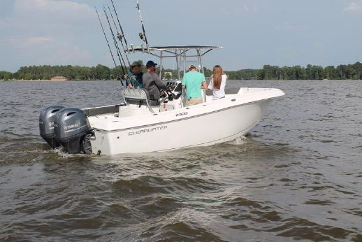 2016 Clear Water 2300 CC