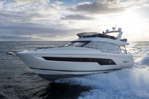 2018 Prestige 630 Yacht