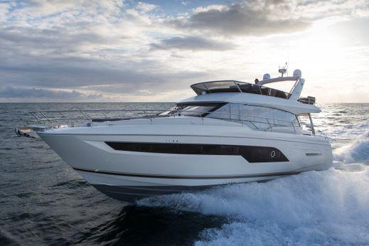 2017 Prestige 630 Yacht
