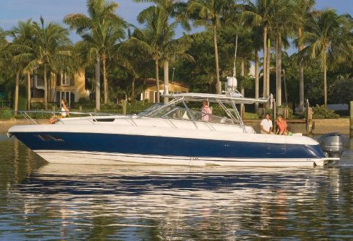 2016 Intrepid 430 Sport Yacht