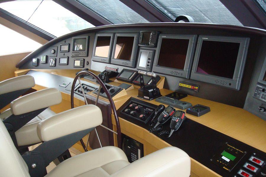 95 Norlund McQueen Cockpit Mororyacht for sale