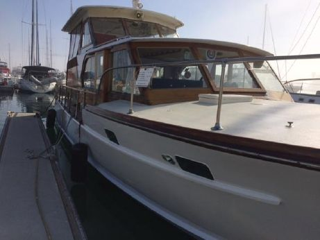 1960 Matthews Motor Yacht
