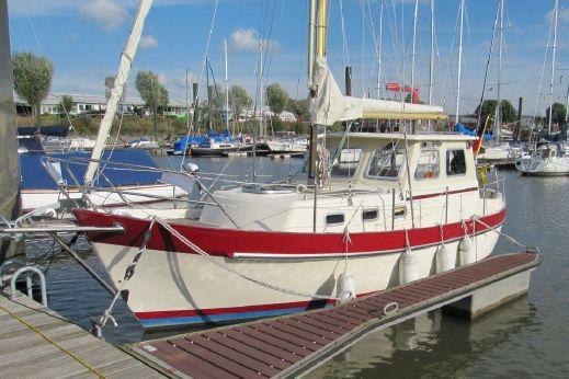 1979 Holland Boat Company Dartsailer 27