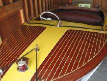1953 Chris-Craft Riviera 18