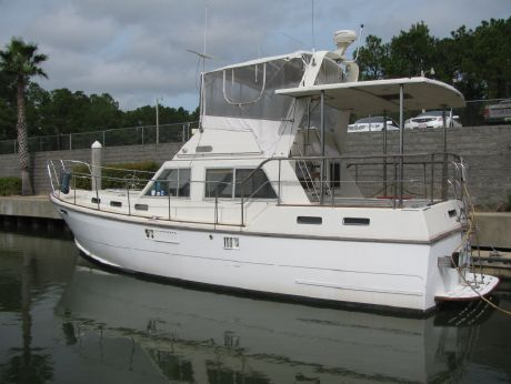 1989 Offshore 38 Motor Yacht