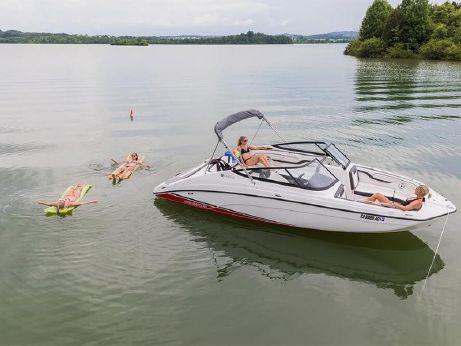 2018 Yamaha Boats SX210
