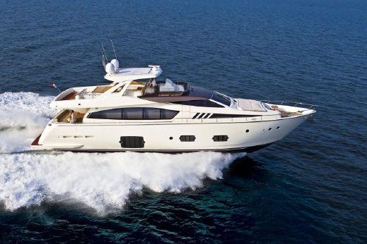 2010 Ferretti 800