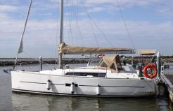 2015 Dufour 310 Grand Large