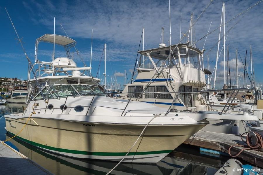 Wellcraft 330 Boat for sale in San Diego