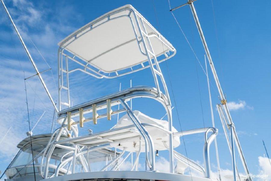 Wellcraft 330 Coastal Tuna Tower