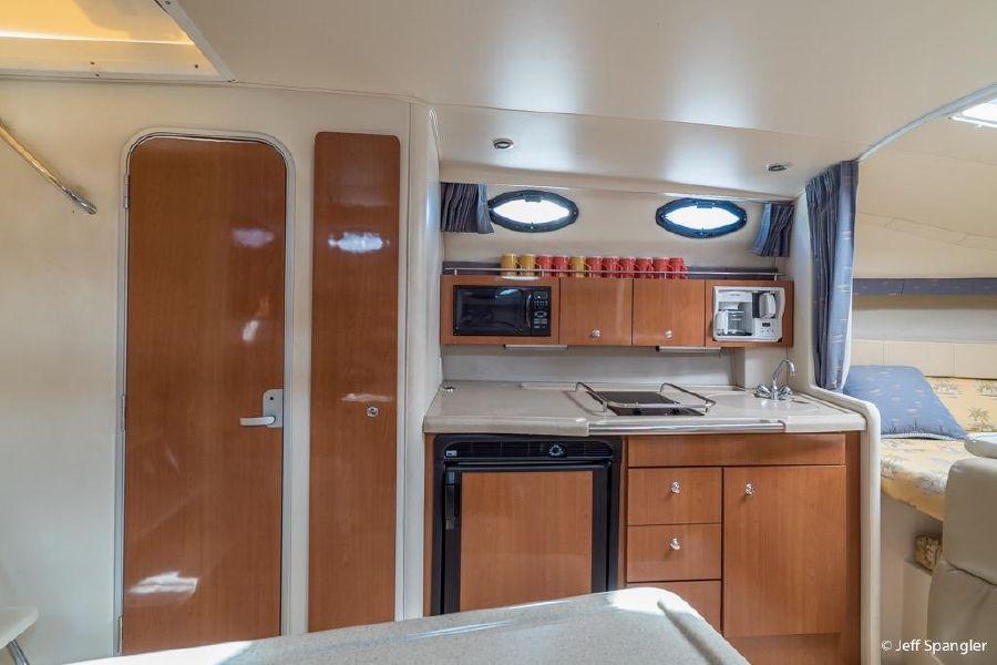 Wellcraft 330 Coastal Galley Kitchen
