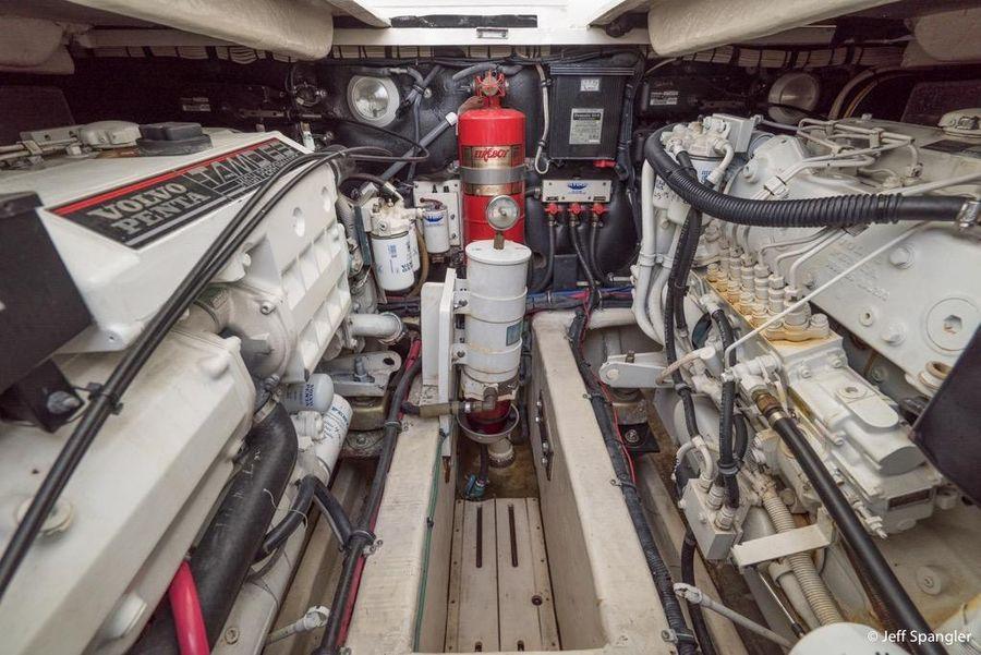 Wellcraft 330 Coastal Engine Room