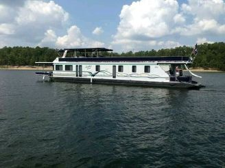 2000 Lakeview Custom Houseboat 1684