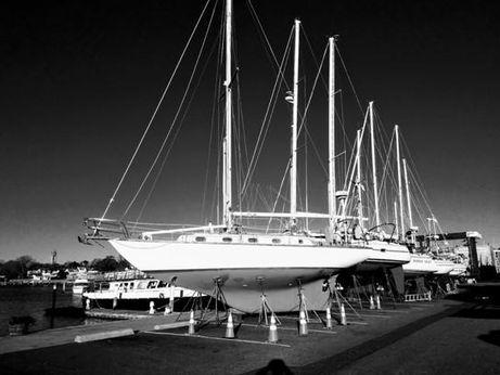 1981 Cape Dory 36