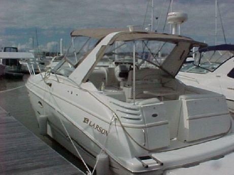 2001 Larson 330