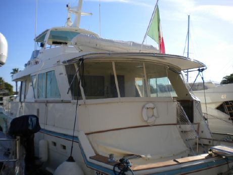 1990 Hatteras 67 Cockpit MY Enclosed Bridge