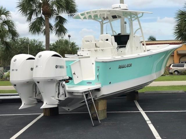 2018 Regulator 28 Center Console Power Boat For Sale Www
